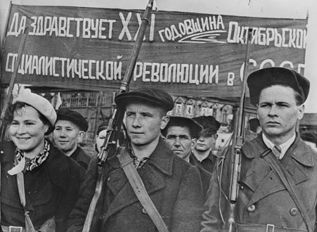 What were the major successes and failures of the Socialist movement after 1917?