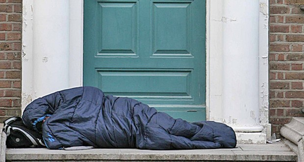 25/11/2008 A member of the Homeless community on M